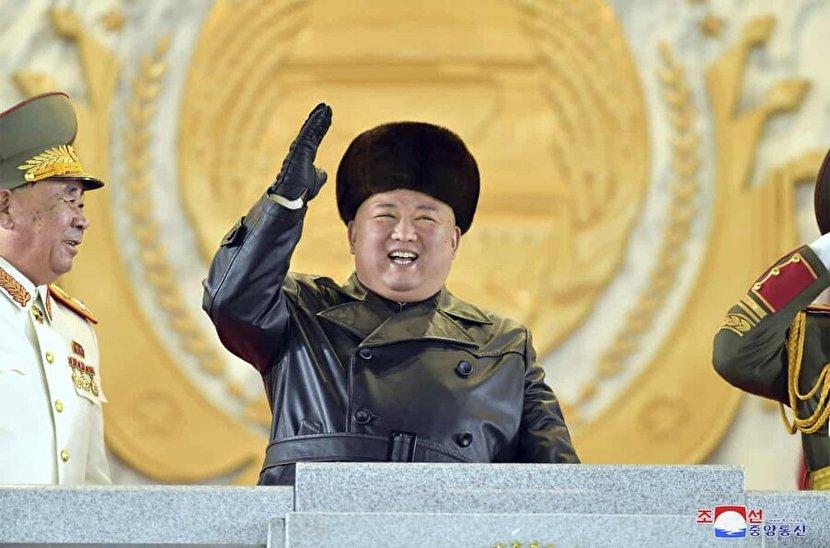 عکس: کیم جونگ اون خندان