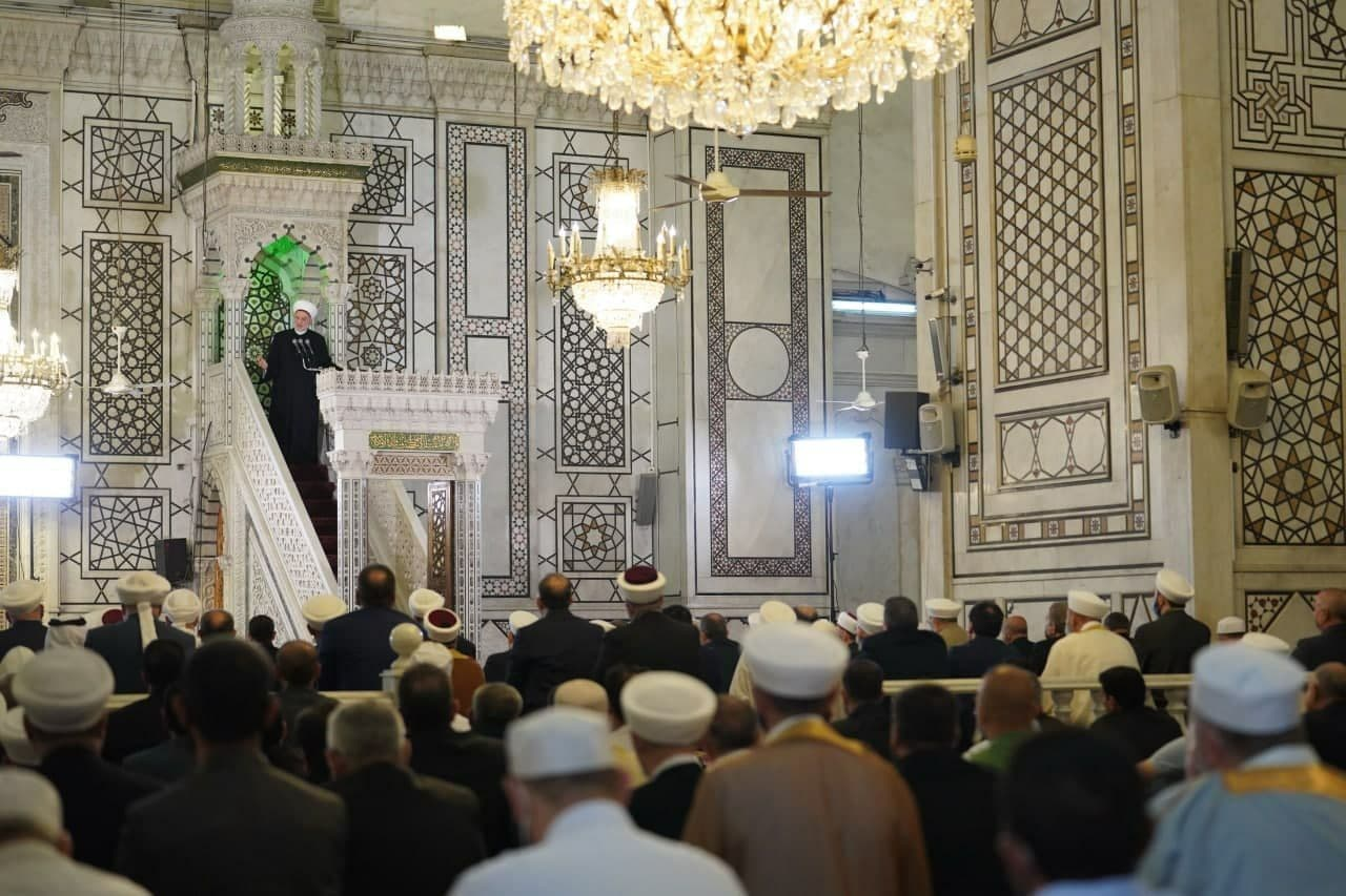بشار اسد در نماز عید فطر