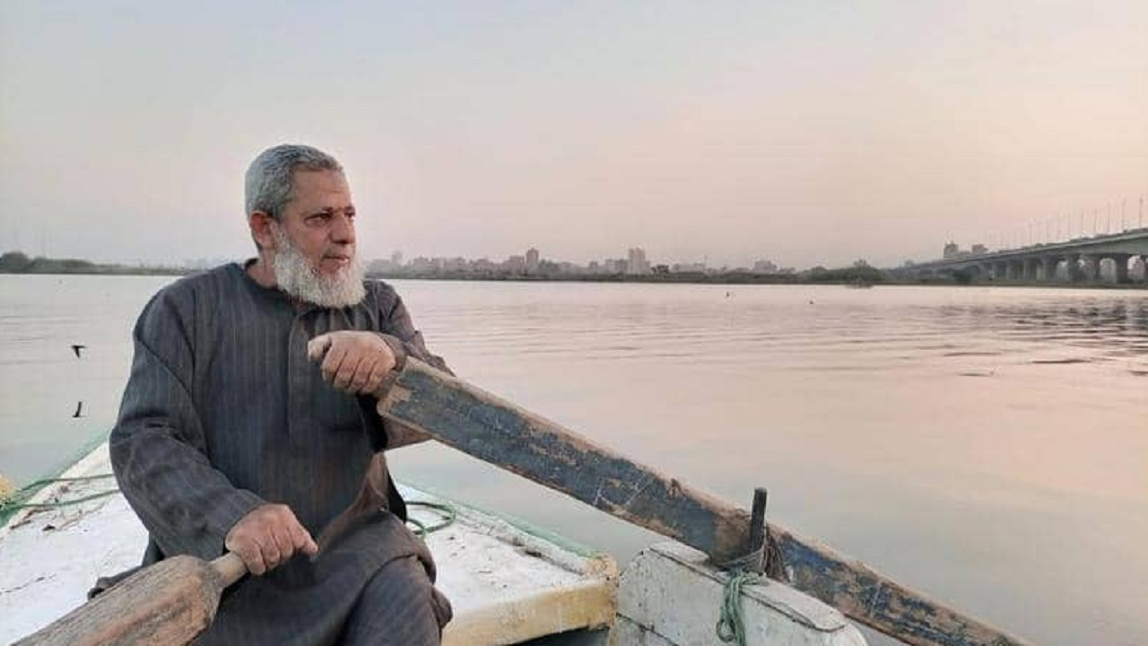 صیادی که ۳۵ سال رود نیل را در جستجوی مردگان پارو زد