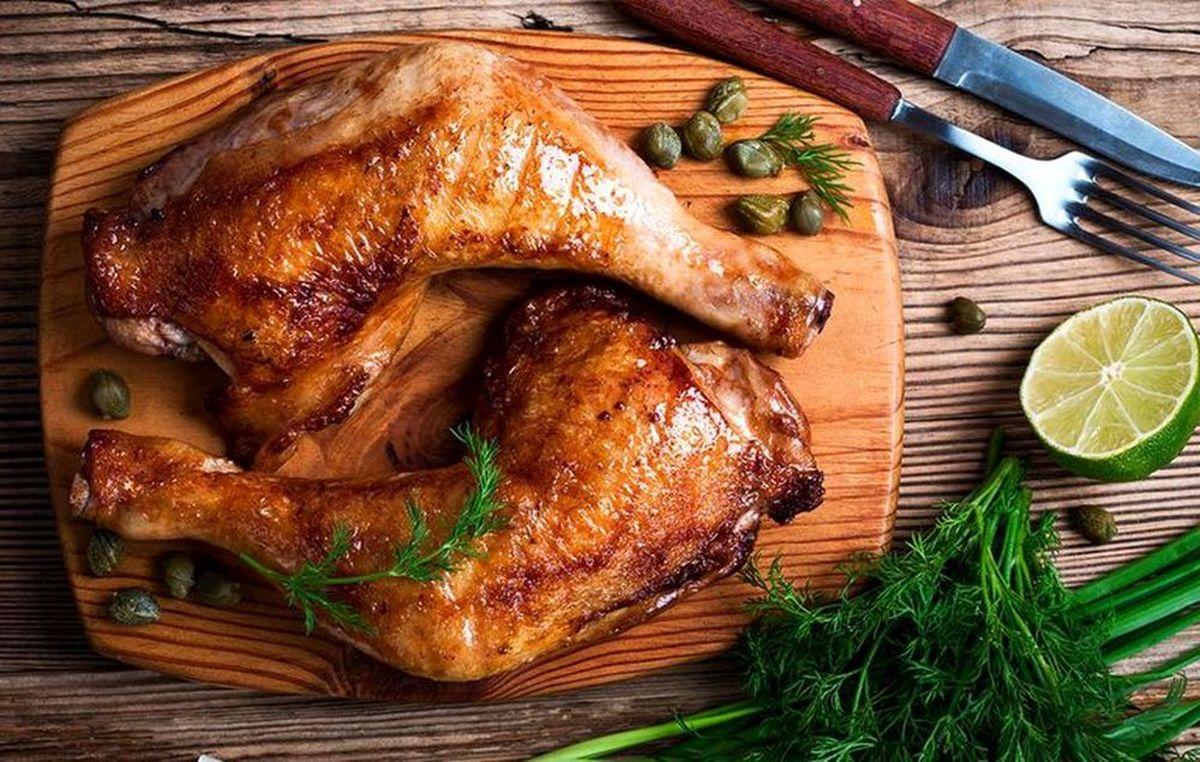مرغ نیم پز نخورید، فلج میشوید!