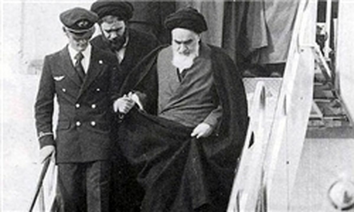 لحظه ورود امام، رهبر انقلاب و آیتالله هاشمی کجا بودند؟
