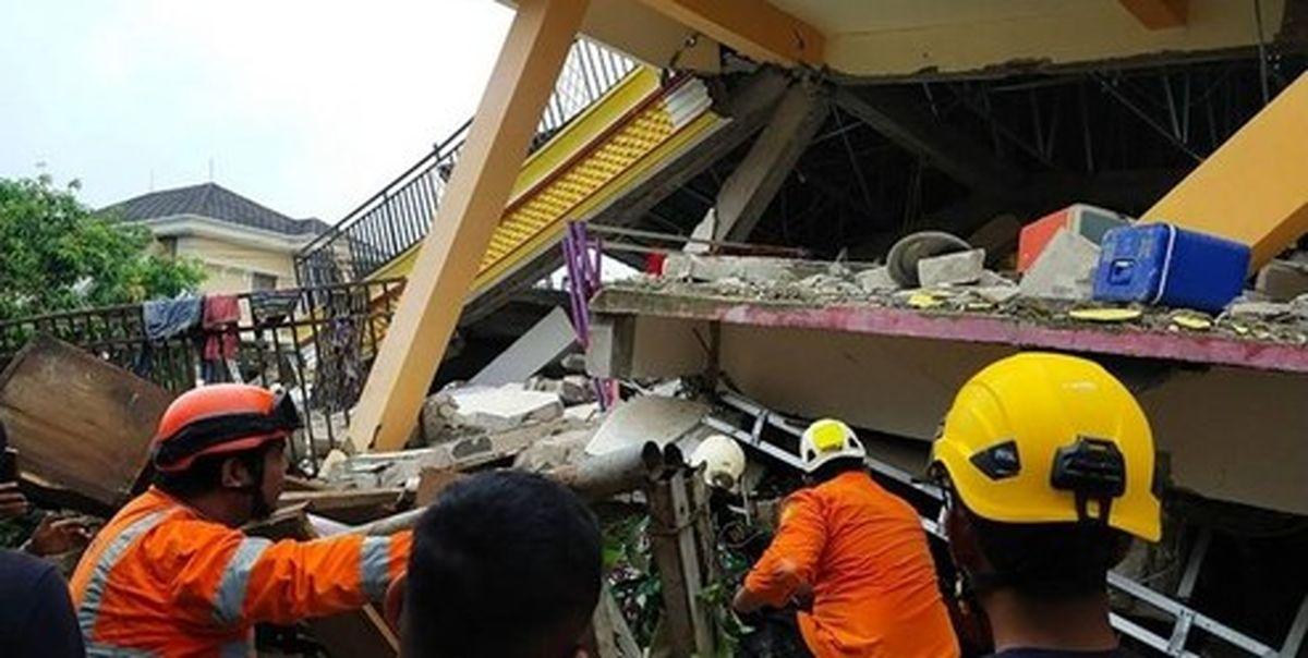 فیلم: دختری در زیر آوار ساختمان فروریخته از زلزله اندونزی