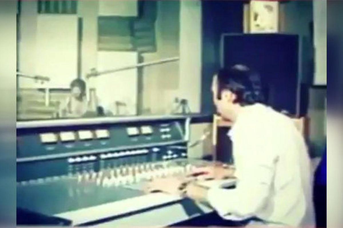 فیلم: لحظه اعلام آزادی خرمشهر در استودیوی رادیو