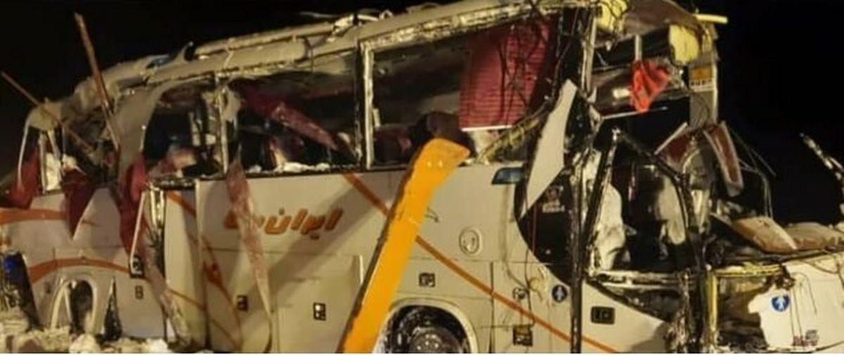 واژگونی اتوبوس حامل تیم فوتسال در جاده کرج