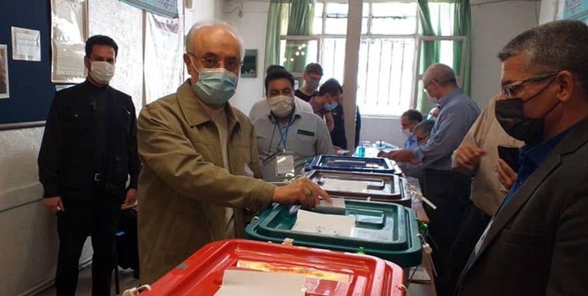 مدرسه ایی که علی اکبر صالحی در آن رای داد کجاست؟ +عکس