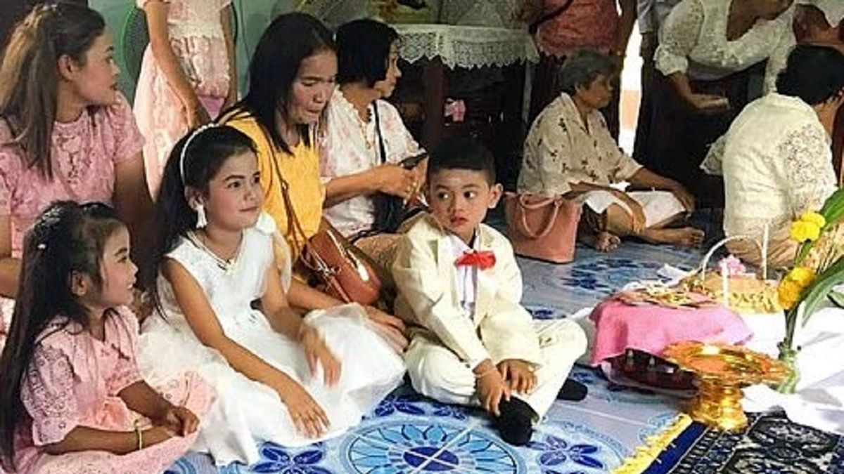 ازدواج دوقلو های  ۵ ساله در تایلند سوژه شد! +عکس