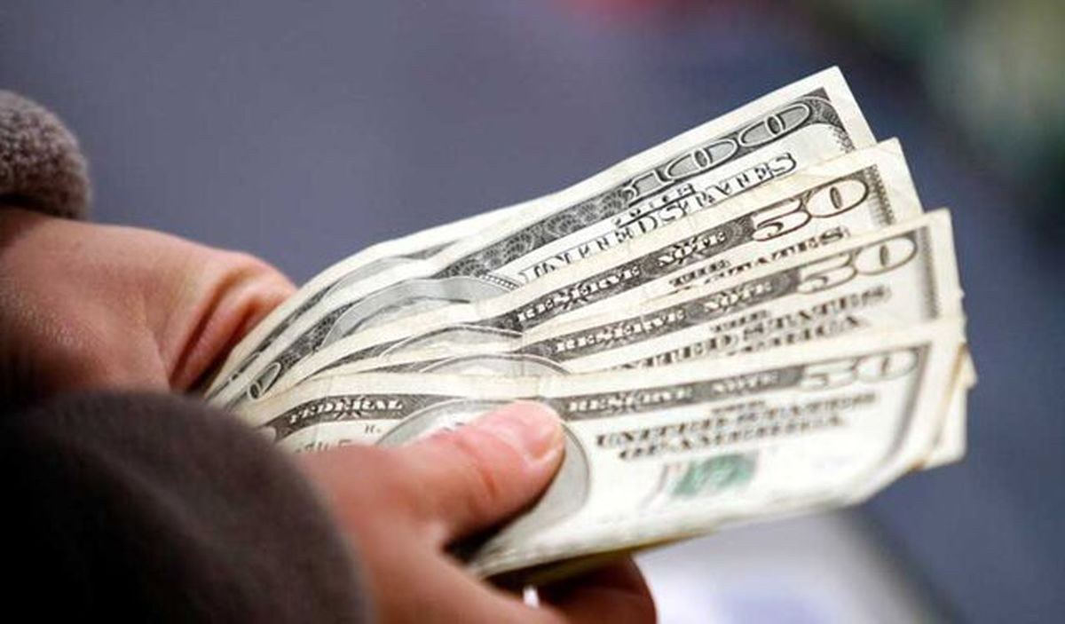 قیمت دلار ۱۵ هزار تومان میشود؟
