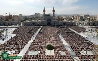 تصویری دیدنی از اقامه نماز ظهر اربعین در حرم امام رضا(ع)