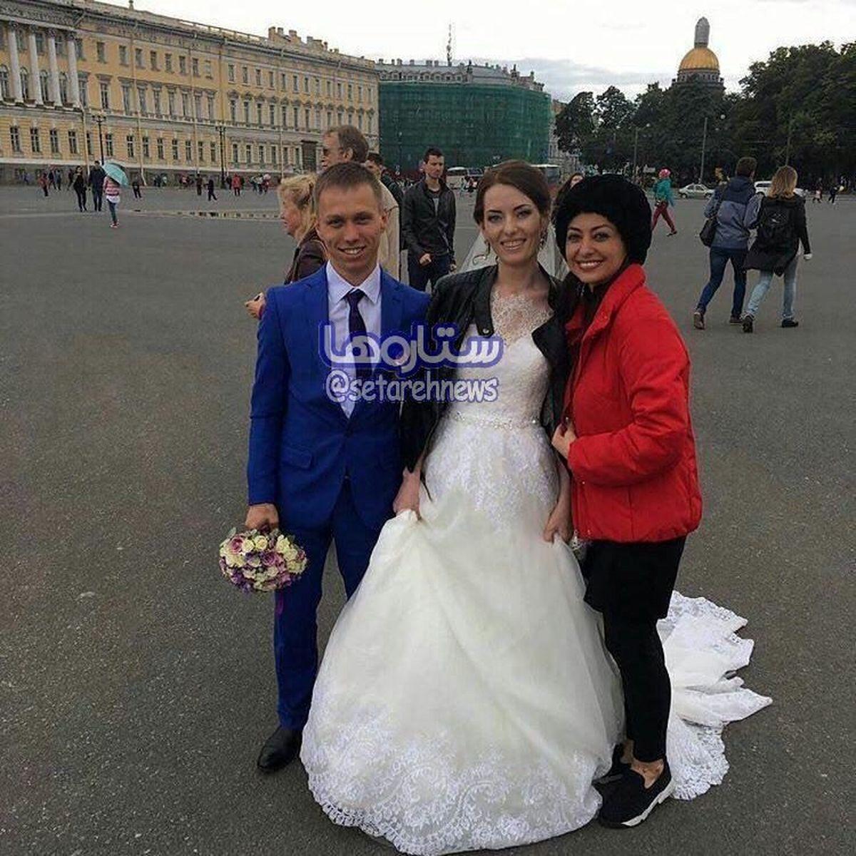 عکس: «نفیسه روشن» در کنار عروس و داماد روسى