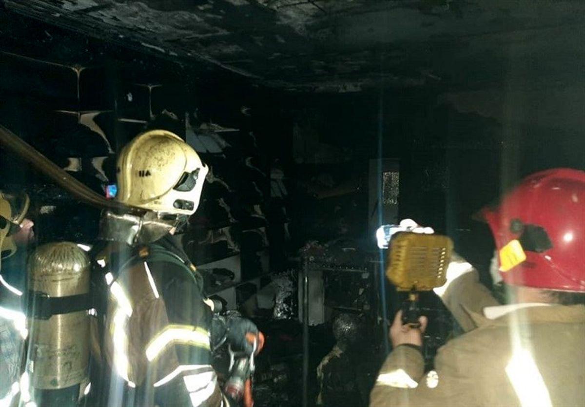 جزئیات آتشسوزی در پاساژی در تهران+تصاویر