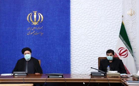 رییسی:  امروز و فردا توزیع داروی کرونا در ۳۰۰ داروخانه تهران
