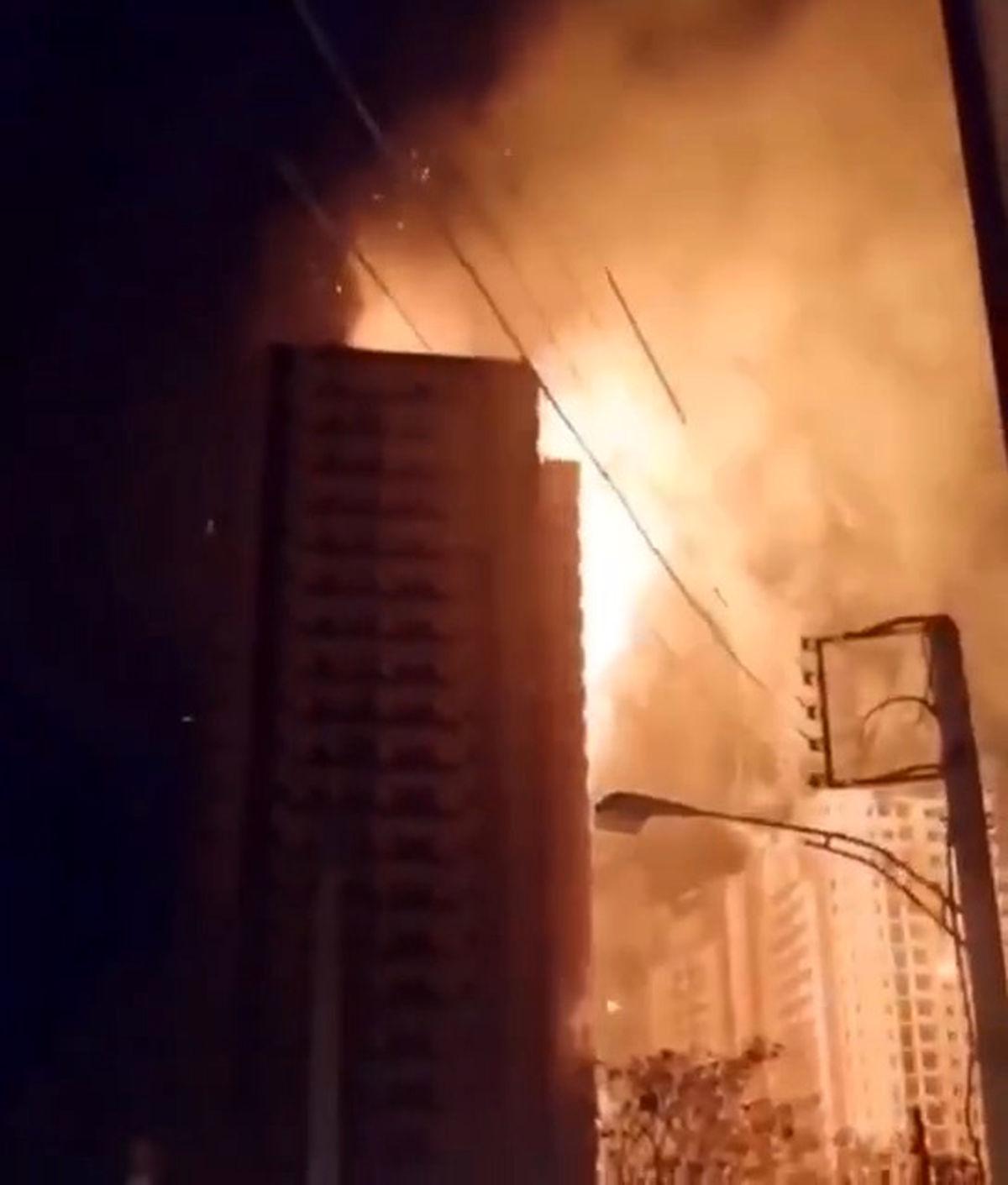 آتشسوزی ساختمانی در جاده ائلگلی تبریز +فیلم