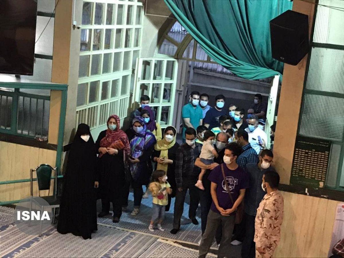 صف رایگیری در حسینیه جماران +عکس
