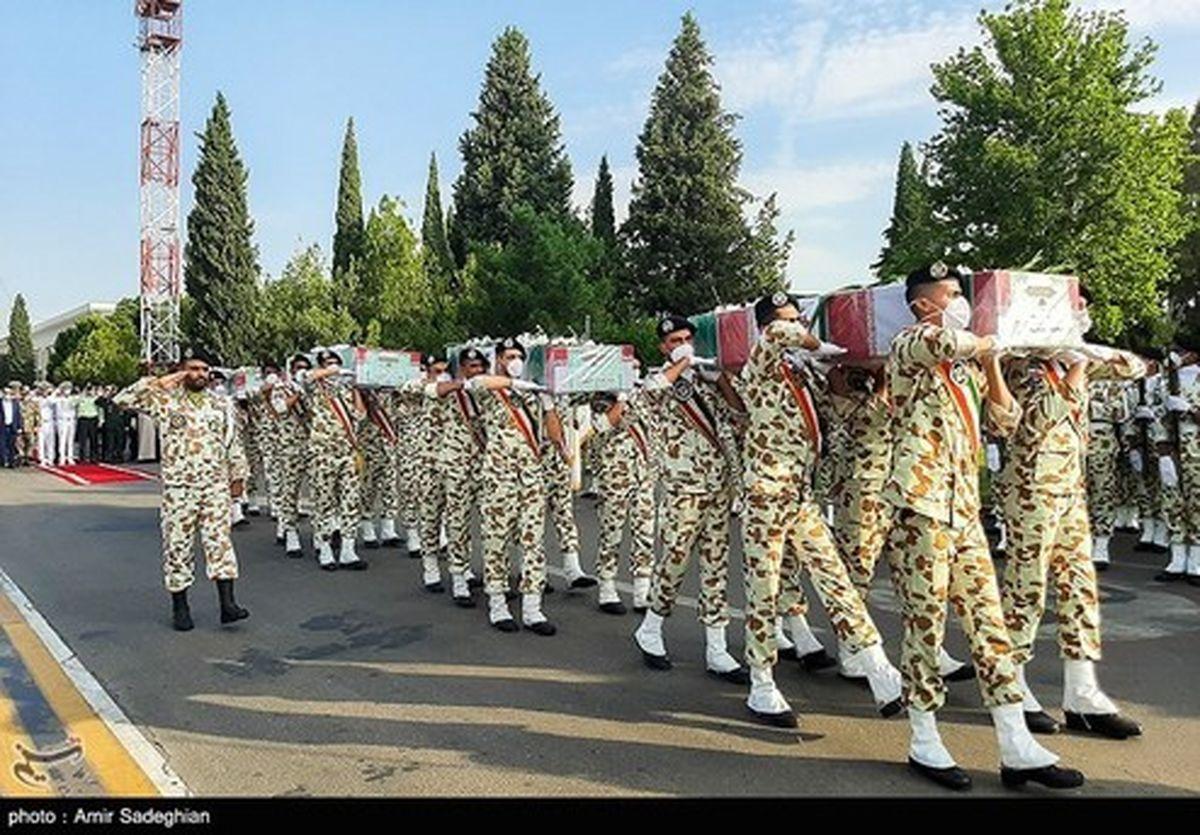تصاویر: مراسم استقبال از پیکر ۴ شهید ناوچه کنارک در شیراز