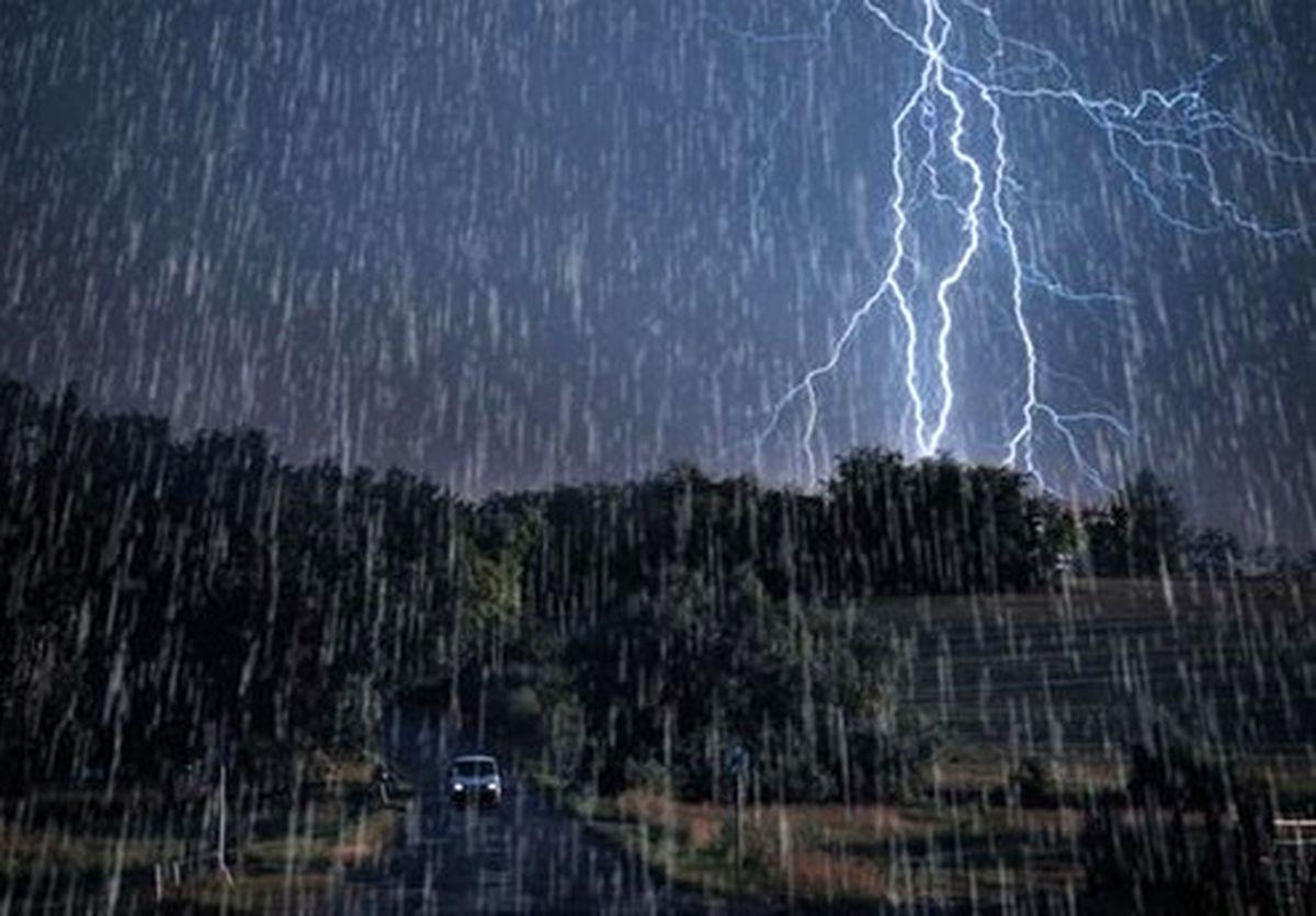 وضعیت آب و هوای استانها ۹۸/۰۹/۱۷/ هشدار صاعقه شدید در ۵ استان