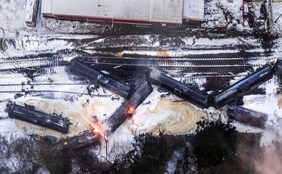 آتشسوزی در قطار حامل نفت در ایالت واشنگتن +تصاویر