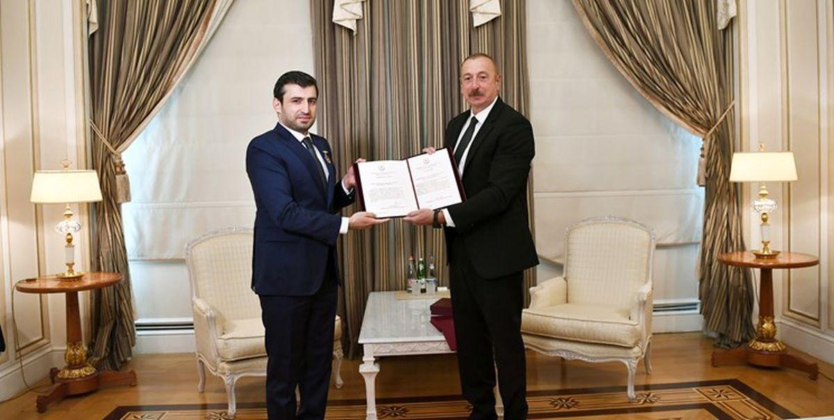 نشان افتخار رئیسجمهور آذربایجان به داماد اردوغان+عکس
