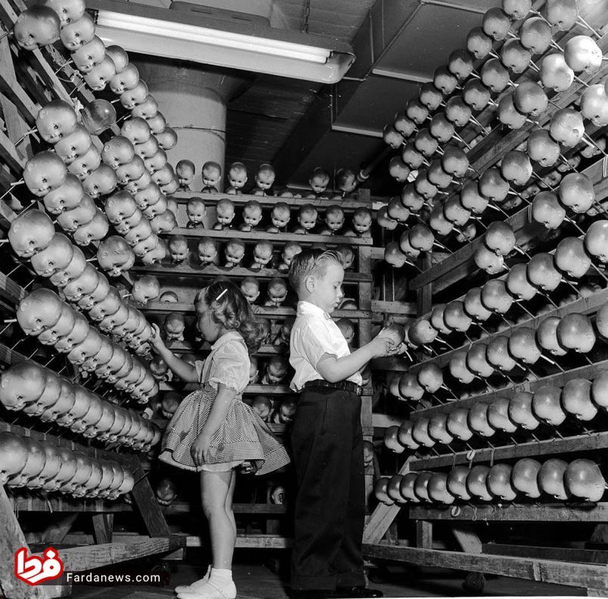 تصاویر دیده نشده: کارخانجات عروسکسازی در ۷۰ سال پیش