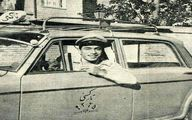 تصویر زیرخاکی از تاکسی و راننده آن در اوایل دهه ۴۰