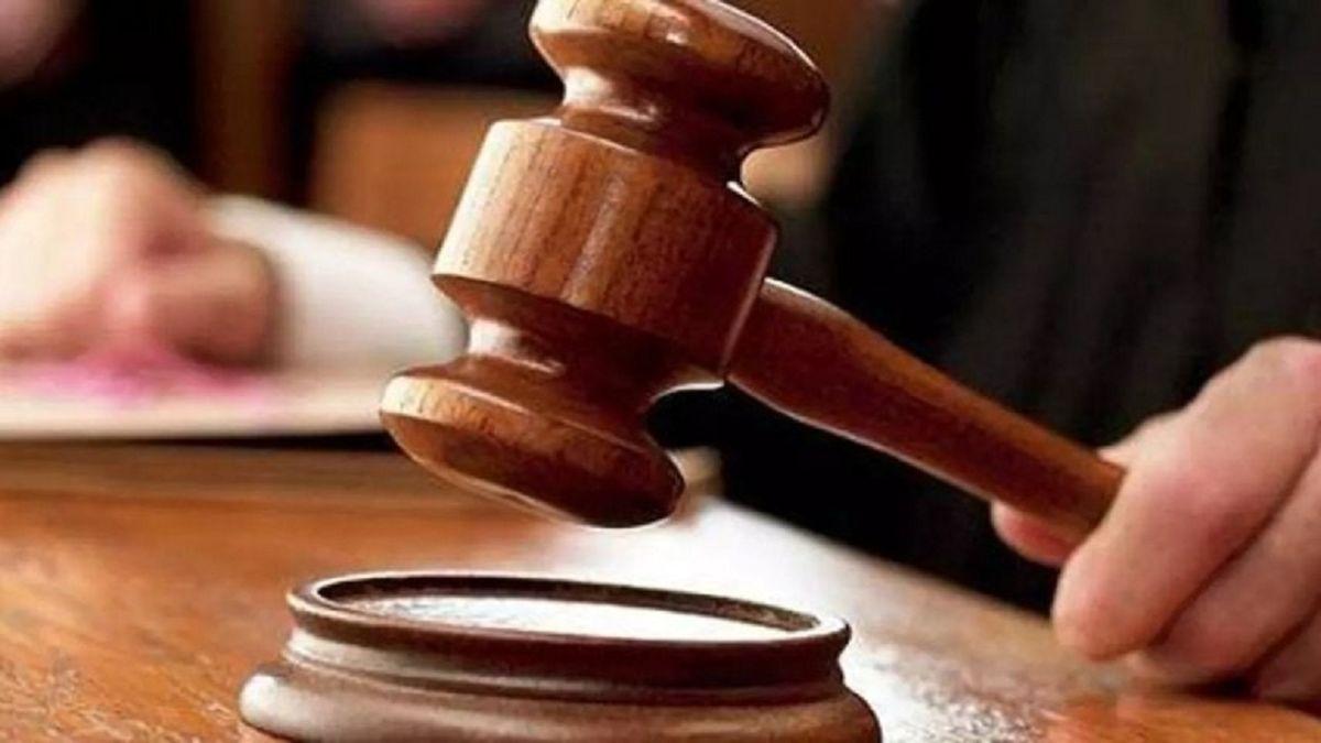 قاضی مصری خودش را جریمه کرد!