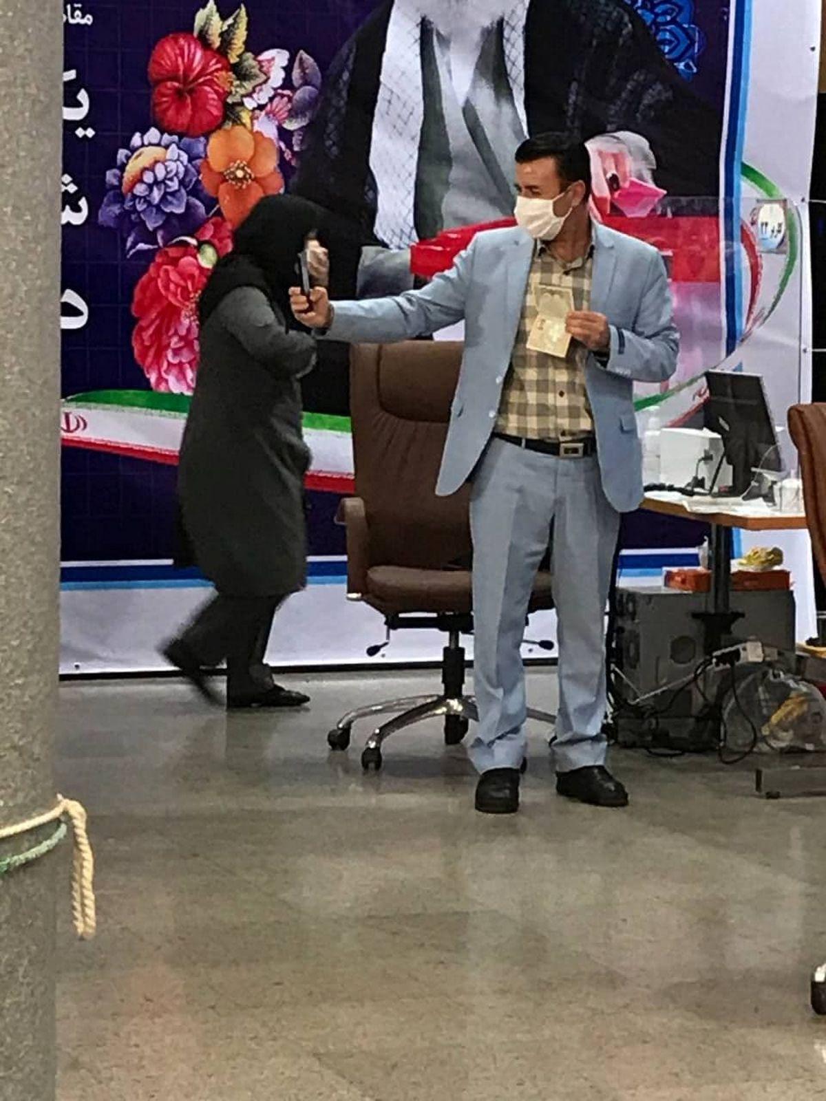 داوطلب ریاست جمهوری که از خودش سلفی گرفت! +عکس