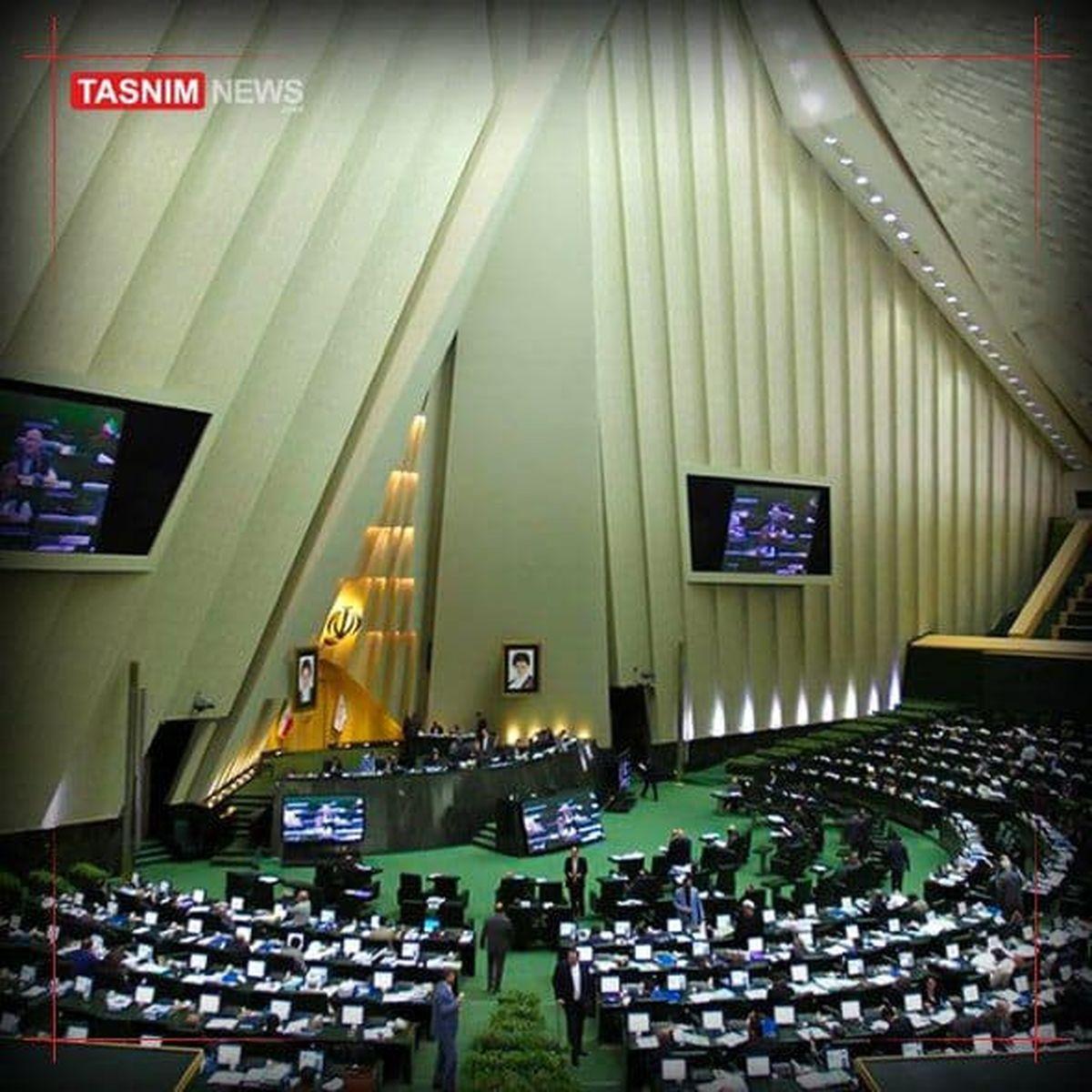 کوچکینژاد: روحانی کمیسیون تلفیق را دچار تناقض کرد