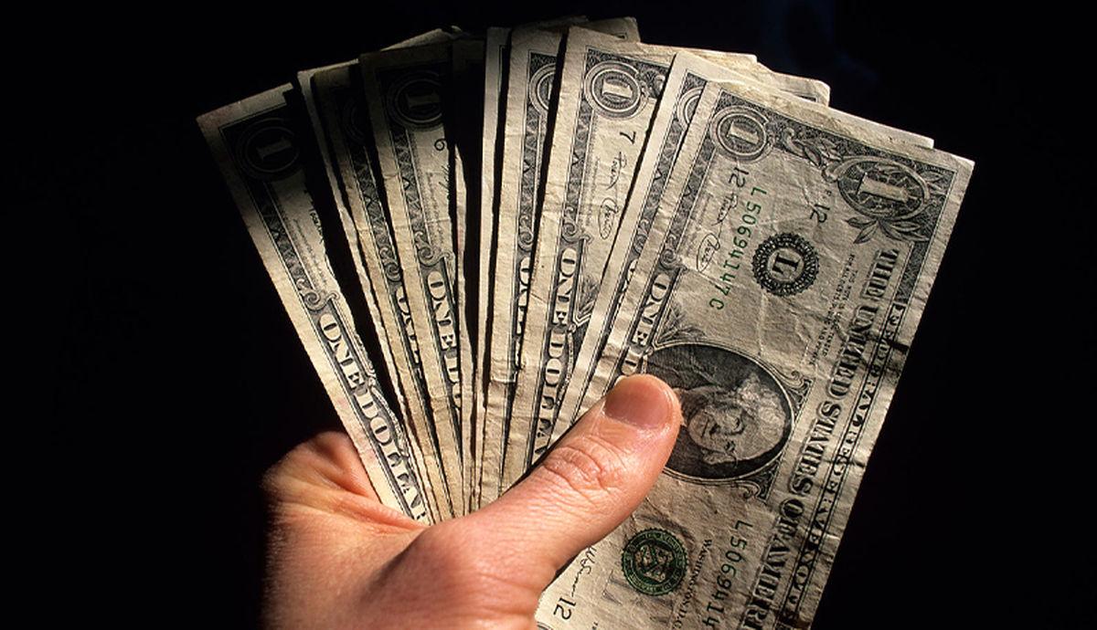 دلار و یورو در صرافی ملی  امروز 4 مهر چند؟