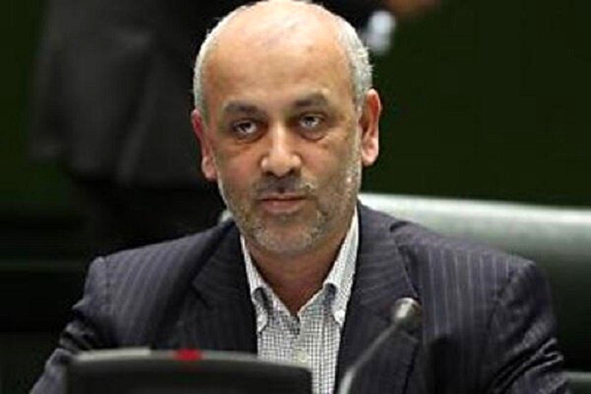 تالارپشتی: در ایران دخالت دولت در صنعت زیاد است