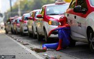 عکس: مرد عنکبوتی در اعتراضات رانندگان تاکسی