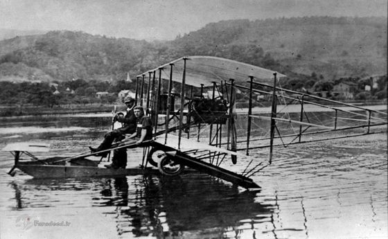عکس: اولین هواپیمای دریایی موفق