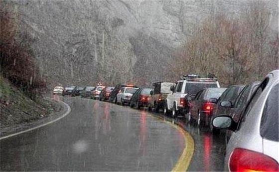 ترافیک سنگین جاده بارانی کرج-چالوس