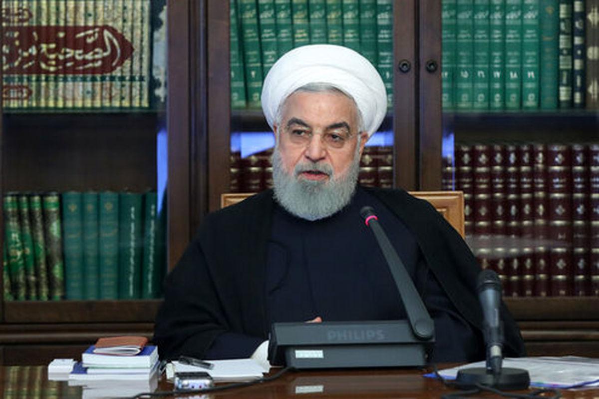 روحانی: بانک مرکزی متخلفان ارزی را به طور شفاف به مردم معرفی کند