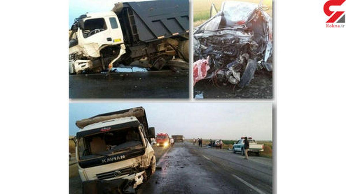 عکسی ناگوار از تصادف مرگبار کامیون با پراید مچاله شده