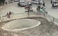 عاقبت خوددرگیری راننده موتورسیکلت در خیابان + فیلم