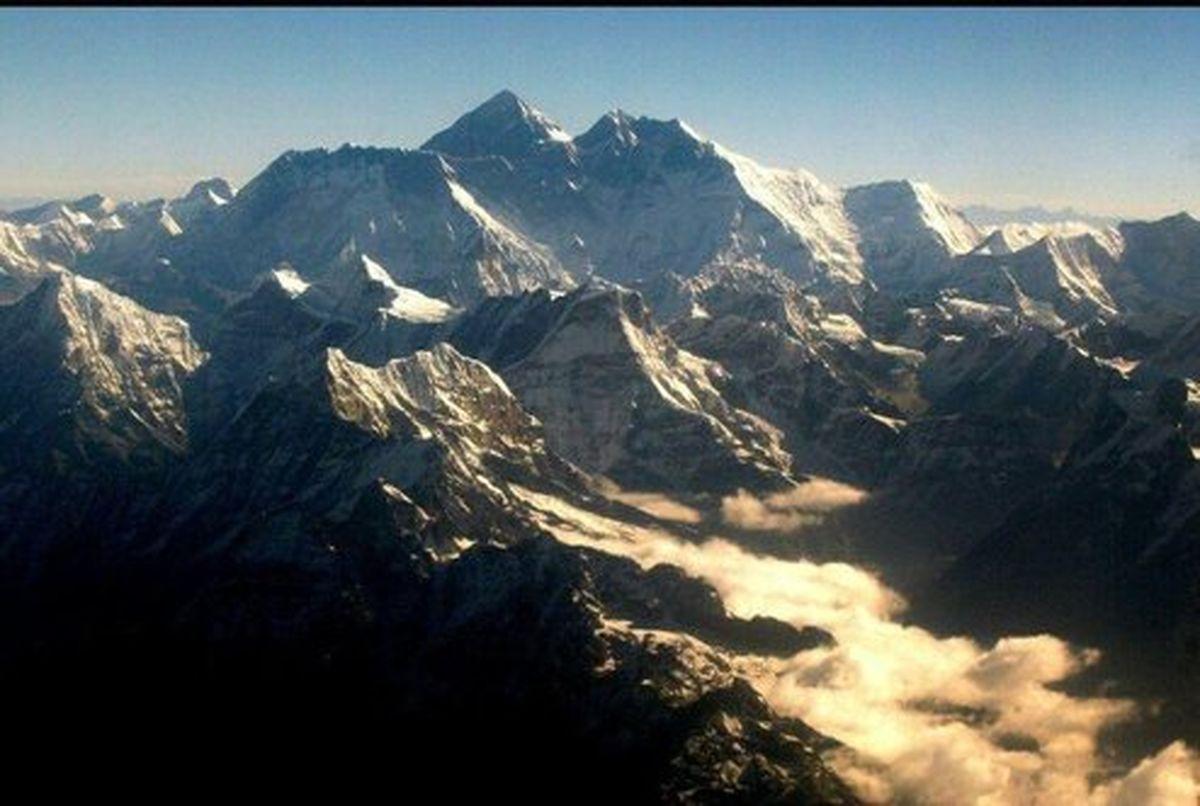 کرونا باعث شد تا قله اورست دیده شود +عکس