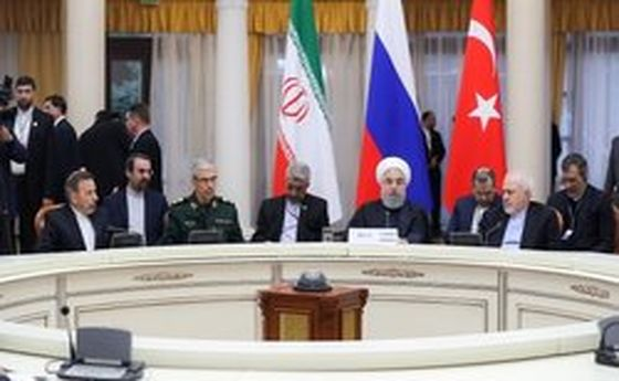 روحانی: آمریکا به داعش در نقل و انتقال در داخل سوریه کمک میکند