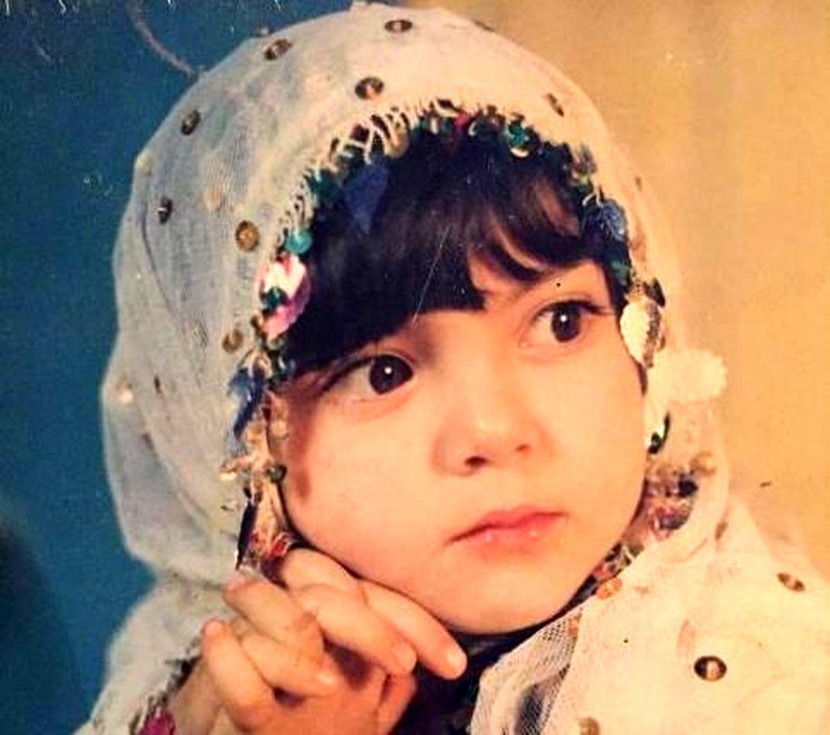 عکس دیده نشده آزاده نامداری در دوران کودکی
