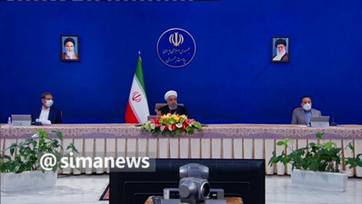 روحانی: چرا یک ایرانی برای زدن واکسن به کشور دیگر برود؟