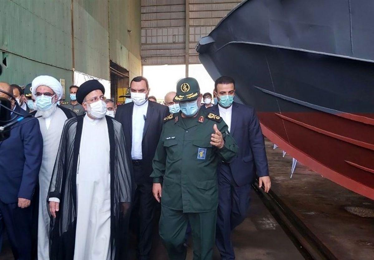 فیلم| بازدید دریایی رئیسی از صنایع کشتی سازی بوشهر