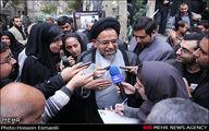 عکس/وزیر اطلاعات در حصار خبرنگاران