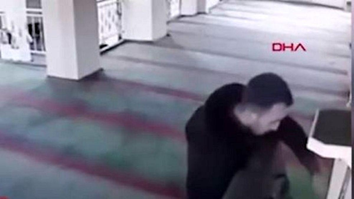 دزدی از مسجد در مقابل دوربین مداربسته +فیلم