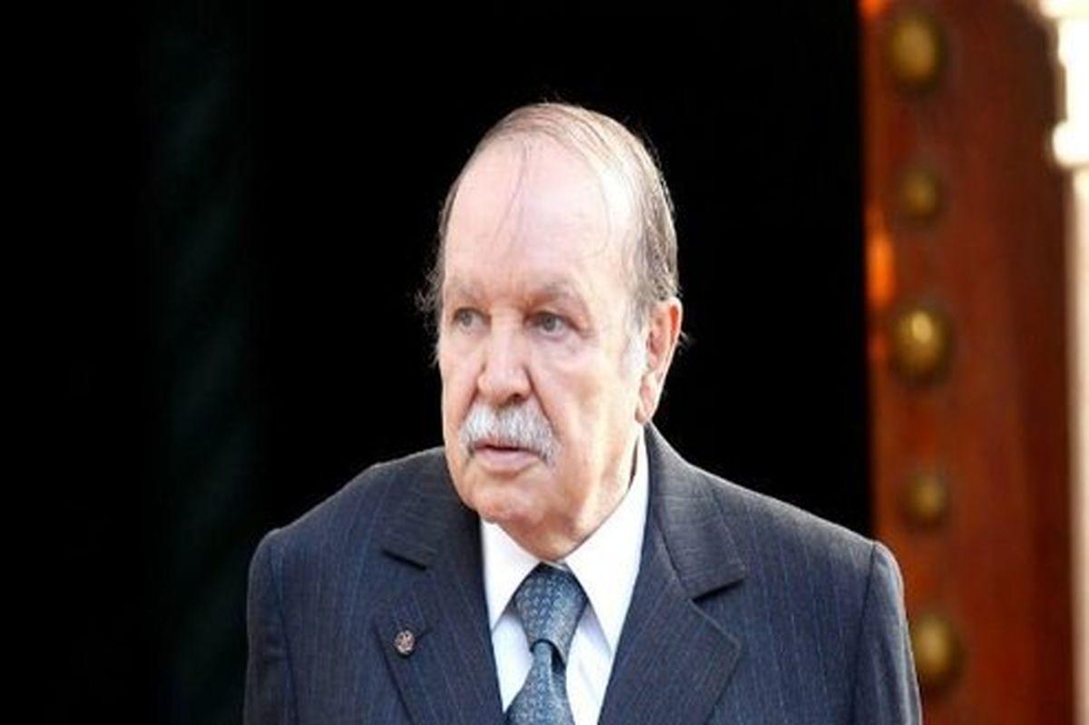 بوتفلیقه الجزایر را ترک میکند