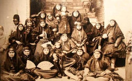 زنان چه نقشی در نابودی سلسلههای ایرانی داشتند؟ /حرمسراهایی با حضور ۸ تا هزار زن!